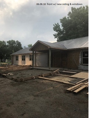 06.08.18 front with new siding & windows